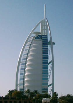http://www.mydubaitravel.co.uk/images/luxury-hotels-in-dubai-burj-al-arab.jpg